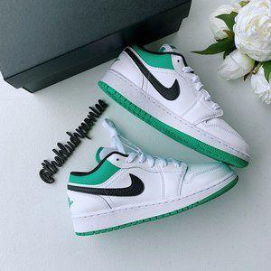 Nike Jordan 1 Low (GS) NWT
